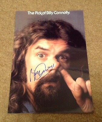 BILLY CONNOLLY   -  COMEDY  POSE - SIGNED   10x8 COL  PHOTO -  UACC   + COA