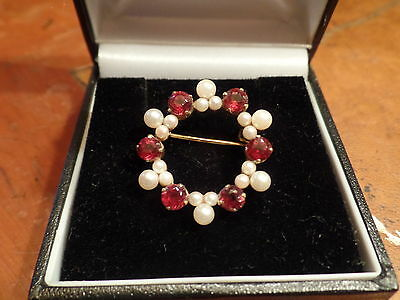 Vintage 9ct Gold Garnet & Cultured Pearl Brooch
