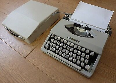 Vintage BOOTS PT400 Portable Typewriter with Cover Case, Made in Japan