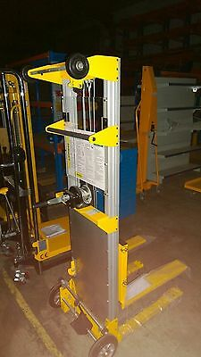 Winch Operated Lift Duct Lifter   Air Conditioner Airconditioner  Lifters