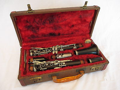 Vintage American The Peddler Co. Elkhart Clarinet with Original Case