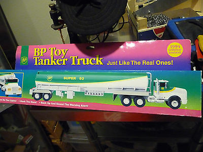 BP TOY TANKER Semi Trailer TRUCK SUPER 93 GAS 1994 LIMITED EDITION IN BOX