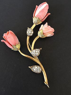 18Kt. Yellow Gold Brooch 3 Flower Shape Carved Corals with 30 Full Cut Diamonds