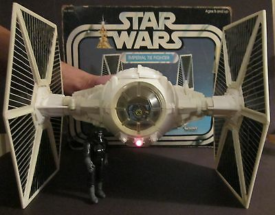 Star Wars Vintage Tie Fighter 1978 WORKS Box Kenner Action Figure Collection