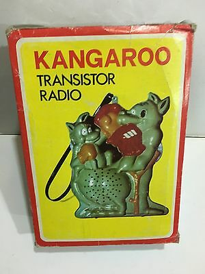 VINTAGE NOVELTY KANGAROO RADIO AM(MW)- BAND FROM THE 1970s- WITH BOX