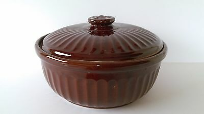 """Large Brown Casserole Dish Made In USA 9 1/2"""" wide 5 1/2"""" tall with lid EUC"""