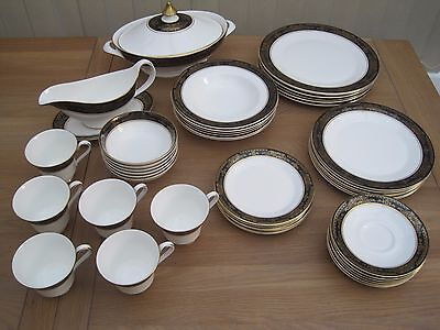 Royal Doulton Albany Dinner Set Service 45 Piece 6 People 1975 Seconds