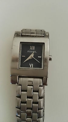 Fossil Silver Tone Analog Ladies watch
