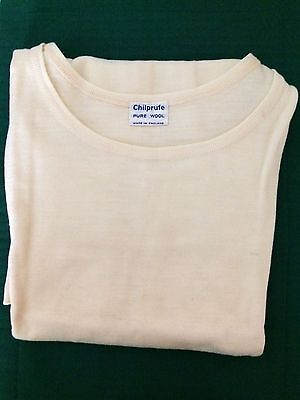 VINTAGE LADIES CREAM CHILPRUFE VEST ALL WOOL c1960 Unworn (4335-8)