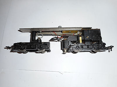 Hornby Dublo Diesel Bo Bo 3 rail locomotive chassis runs for spares or repiars
