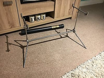Solar Stainless Steel Rod Sod Pod ~ Old School Carp Fishing With Buzzbars