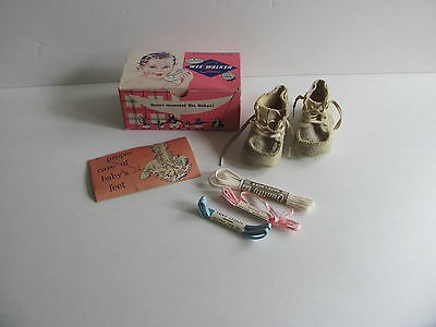 Vintage 1958 Wee Walker Shoes In Box With Shoe Laces & Brochere