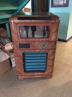 Wurlitzer 616-A Jukebox ~ Vintage 78 rpm jukebox manufactured in 1937