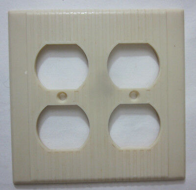 Vintage Leviton Ribbed Ivory Bakelite 2 Gang Double Outlet Wall Plate Cover Deco