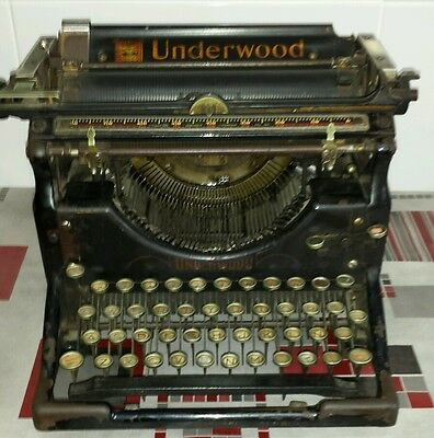 Antigua Maquina De Escribir Underwood