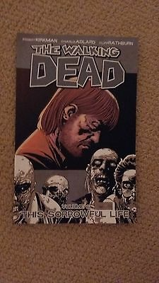 The Walking Dead - Vol 6 - This Sorrowful Life - Graphic Novel