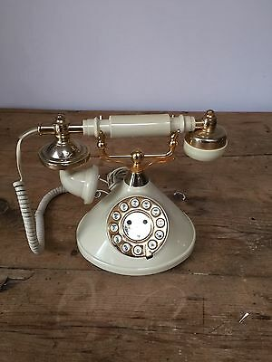 Vintage Plug In Beige Old Style 'princess' Phone - Push Button Mybelle 383P