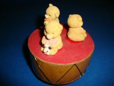 Retro Wooden Music Box With 3 Teddy Bears