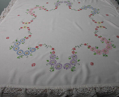 """VINTAGE HAND EMBROIDERED TABLECLOTH WITH LACE BORDER 33"""" x 33"""" (4118)"""