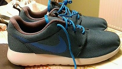 Bnwob Nike roshe one premium trainers in colour blue,grey in size 10, Rrp £70.