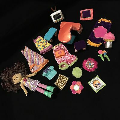 Groovy Girls Lot Yvette Clothes Furniture 22 Pieces