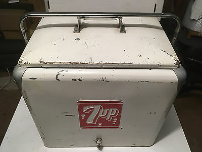 Vintage 1950's 7-UP PICNIC COOLER with Removable Tray; Progress Refrigerator Co.