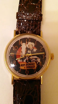 Vintage RARE Roy Rogers & Trigger Watch Black Dial WORKING!!