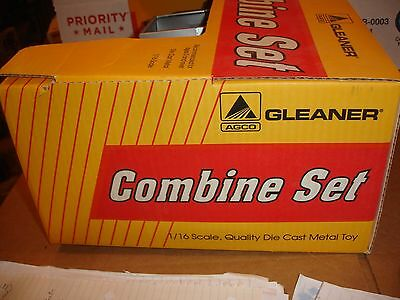 1/28 scale gleaner r 62 special combine