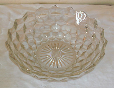 Early American Fostoria Cubed Glass Fruit Bowl In Very Good Condition