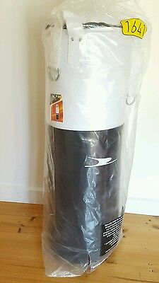 NEW Crane 25kg boxing/punching bag and boxing gloves