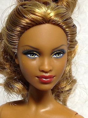 Nude Collector Edition Barbie Doll Mbili AA Model Muse Blonde