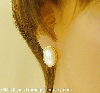 14k Yellow Gold 19mm Cream Mabe Baroque Ringed Pearl Omega French Back Earrings