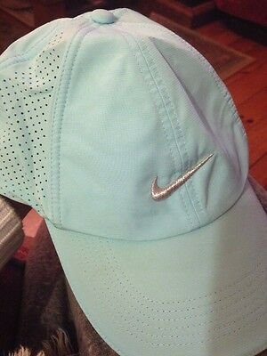 Ladies Nike Blue Green Golf cap