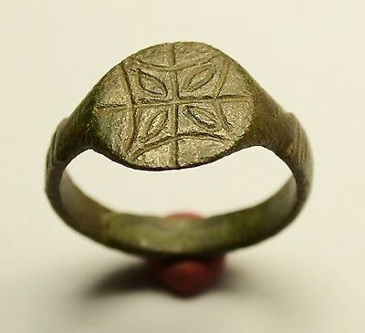 Interesting Roman Bronze Ring With Decorated Bezel - Wearable