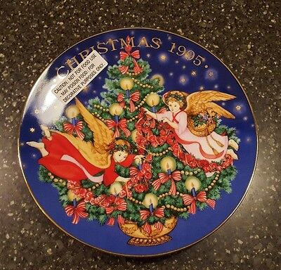 1995 Avon Trimming The Tree Angels Christmas Porcelain Collector's Plate NOS NIB