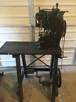 CHAMPION Sewing Machine Antique Leather Cobblers Shoe Maker. Industrial Singer