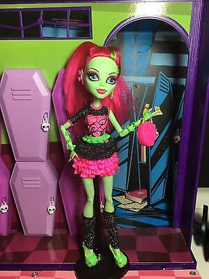 Monster High Doll - Venus Mcflytrap - Ghouls Night Out - Great Condition