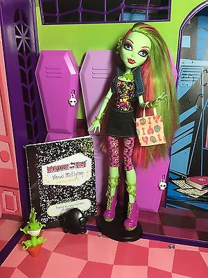 MONSTER HIGH DOLL - Venus McFlytrap - Wave 1 Complete Diary - Great Condition