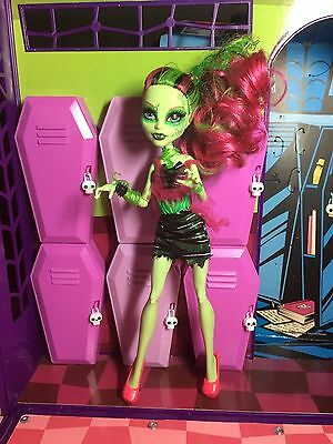 Monster High Doll - Venus McFlytrap - Zombie Shake - Great Condition