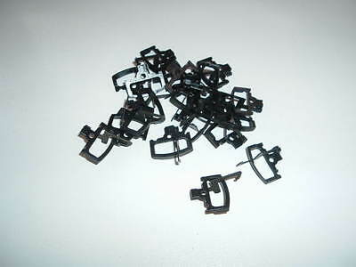 Hornby  OO  scale  20  off  hook/loop couplers  plastic  as  new  condition