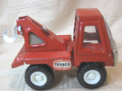 Vintage red metal Texaco Buddy L toy car tow truck
