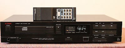 Luxman D-90 CD Player with Remote