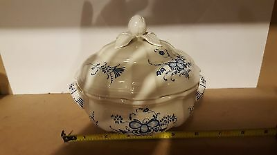 Villeroy & Boch  Luxembourg Small Round Covered Vegetable Dish - Excellent