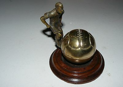 1920's FOOTBALLER COLLECTIBLE NOVELTY  INKWELL QUALITY DESK PIECE