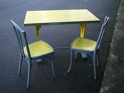 Table Bistrot Annees 30 + 2 Chaises Bistrot Thonet
