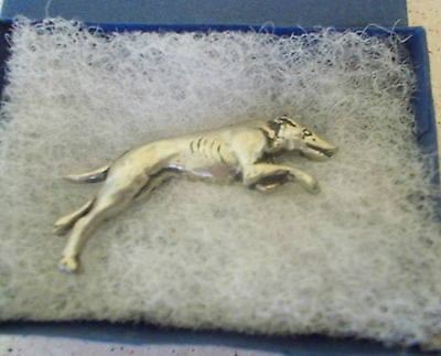 White Metal Pin Brooch Greyhound Dog Lurcher Narrow Dog New Jewellery Boxed