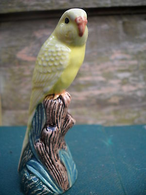 Beautiful figurine of aYellow Budgerigar (Budgie) By Quail Ceramics Great Gift