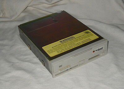 Lettore Syquest Sq5200C  Scsi Interno 200Mb 5.25""