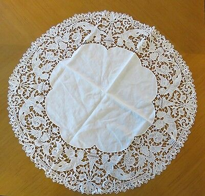 """Antique Tablecloth Linen Lace Edging Table Cover Centerpiece Figural Angels 22"""""""