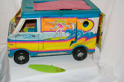 VINTAGE 1970s BARBIE BEACH BUS SURF VAN W/ surfboard